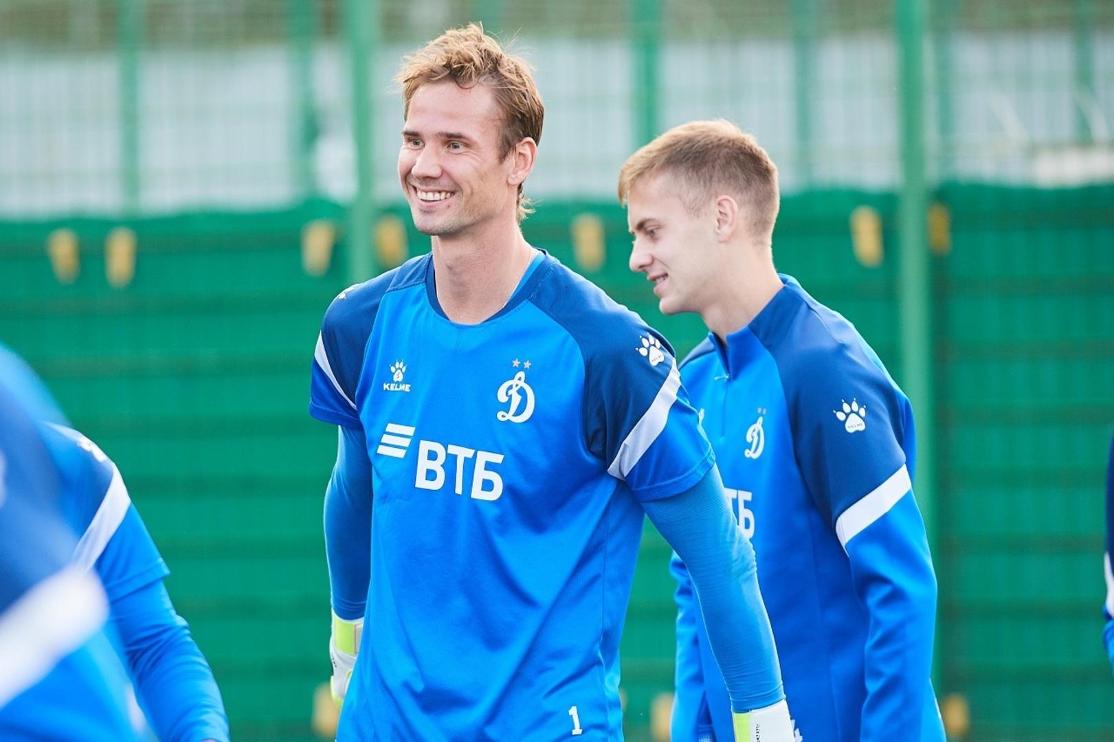 Евгеньев, Захарян, Фомин и Шунин — в расширенном составе сборной России для подготовки к Евро